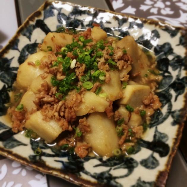 里芋と鶏挽肉の旨煮