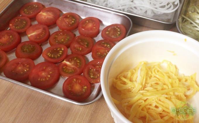 トマトと錦糸卵