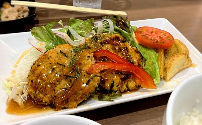 鶏ひじきハンバーグ定食